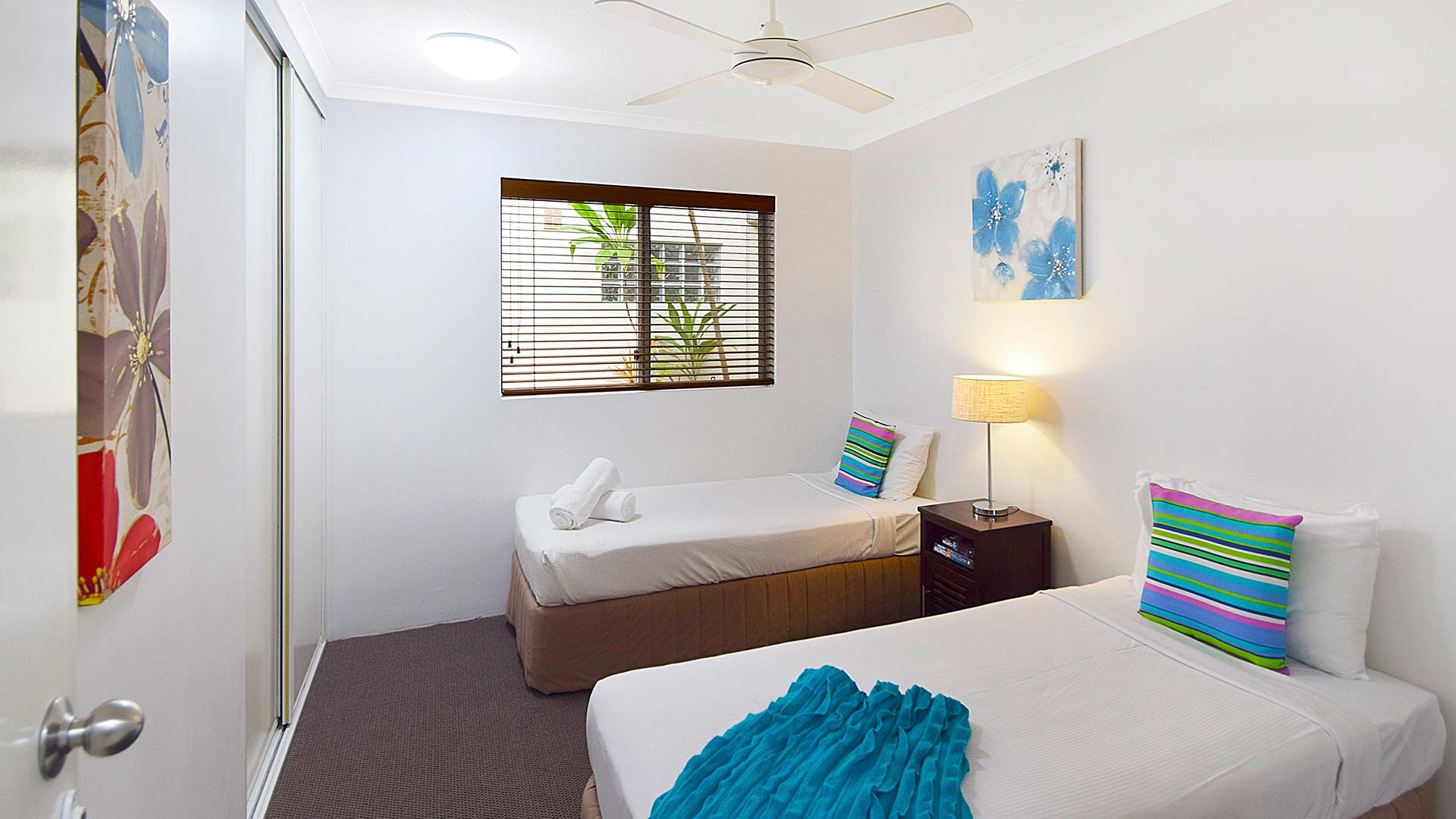 Sscr u4 bed 2 sunset cove resort for Beds 4 u ottery