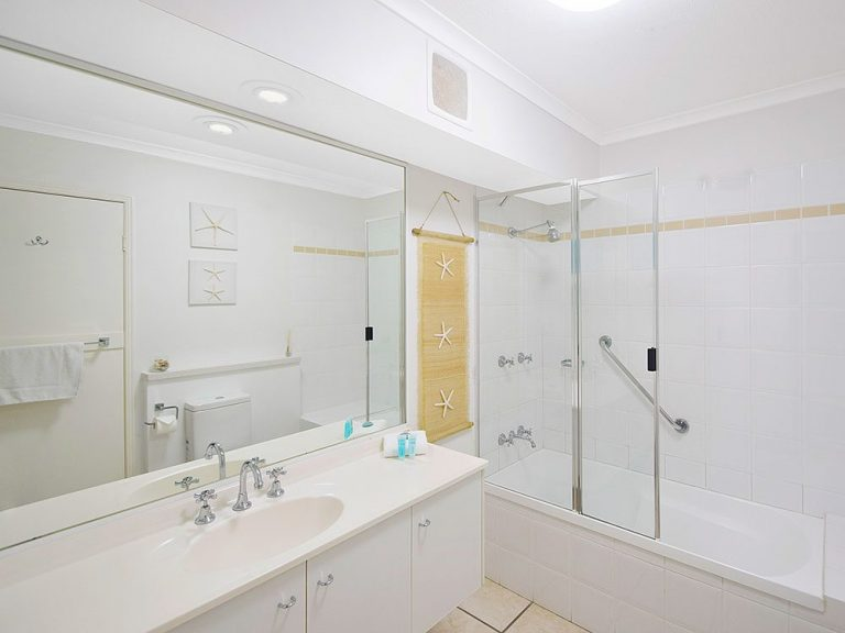 Sscr U4 Bath 1